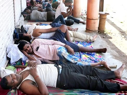`ரூ.3,500 கொடுத்தால்தான்  அனுப்புவோம்!' - தமிழர்களிடத்தில் பணம் கேட்கும் மகாராஷ்டிர அதிகாரிகள்?
