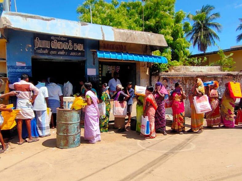 ரேஷன் கடைகளின் செயல்பாடு எப்படி இருக்கிறது? மக்கள் கருத்து என்ன? #VikatanPollResults