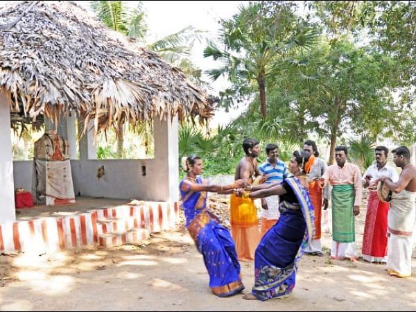 `திருவிழா இல்லாம வீதிகள் வெறிச்சோடிப் போச்சு..!' -  வாசகர் பகிர்வு #MyVikatan