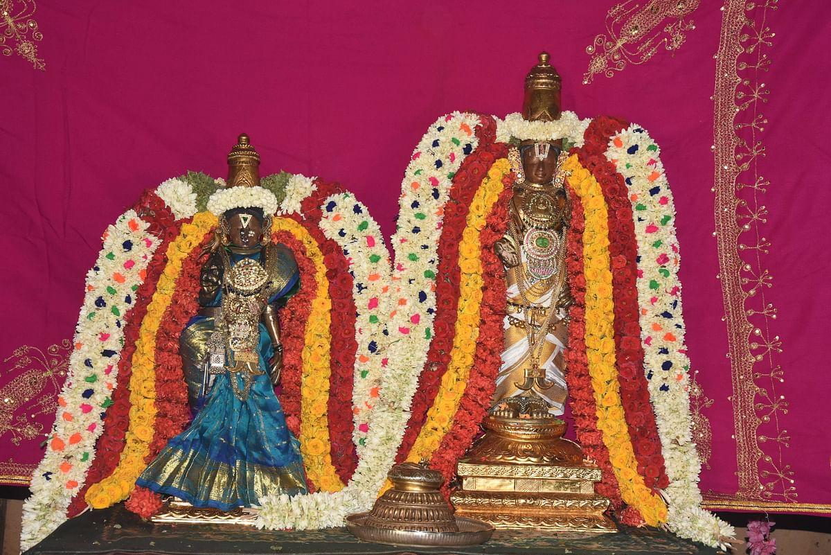 சீனிவாச பெருமாள் - வஞ்சுளவல்லித் தாயார்