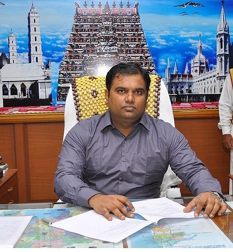 நாகை மாவட்ட ஆட்சியர் பிரவீன் கே நாயர்