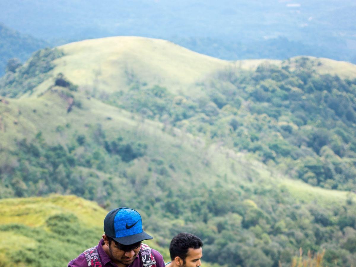 `சிரிக்காமல் படிக்கவும்; இது எங்க ட்ரெக்கிங் வரலாறு!' - வாசகரின் ஜாலி பகிர்வு #MyVikatan