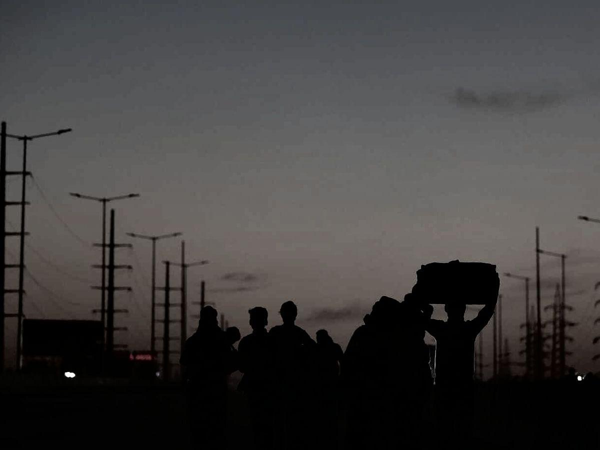 `ரயில்ல போனாலும் சைக்கிளோடதான் போவோம்!' - கொரோனா ஊரடங்கும் பீகார் தொழிலாளர்களும்