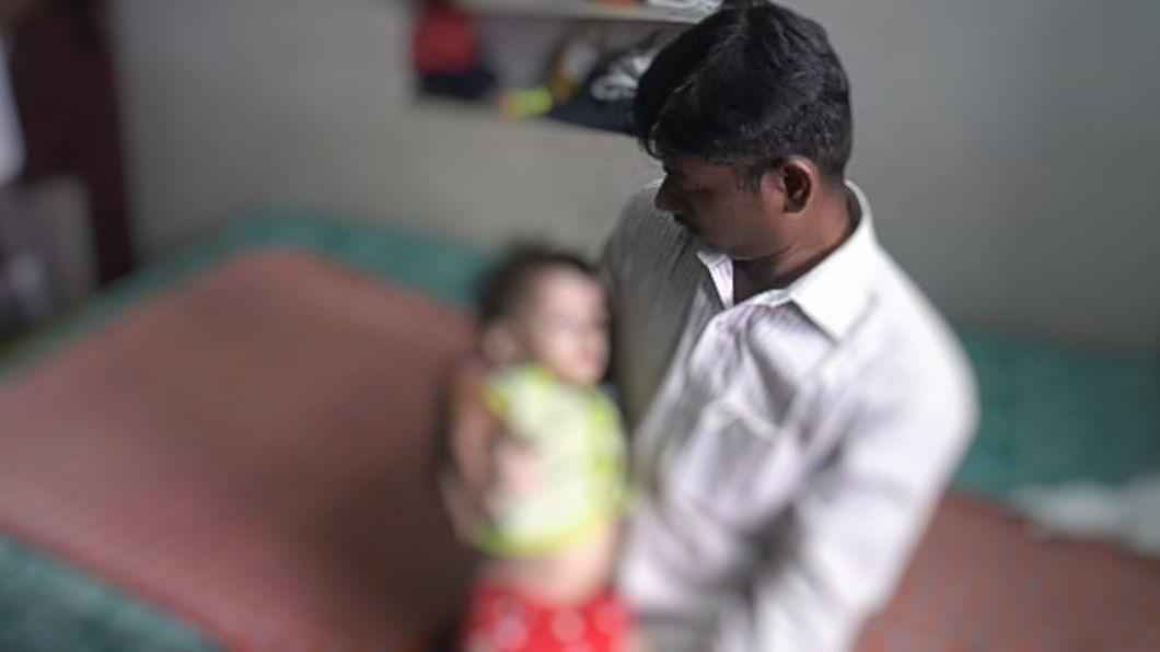 குழந்தையோடு ராஜ்குமார்