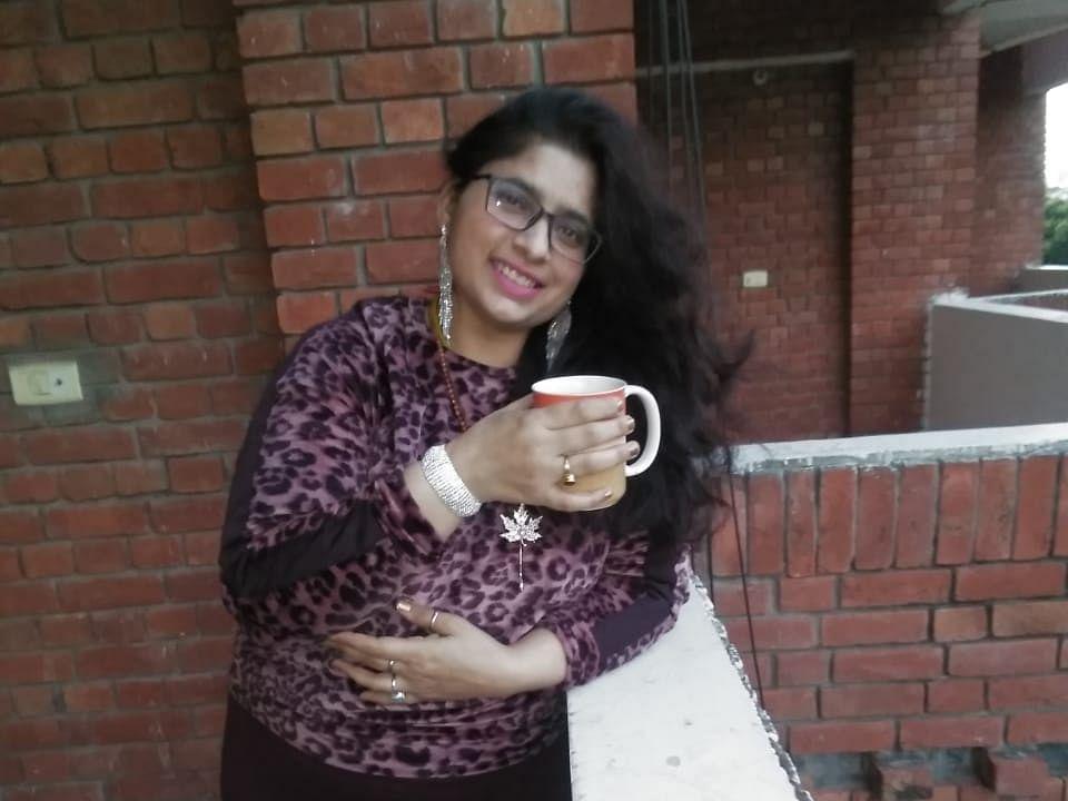 `தனிப்பட்ட பாதுகாப்பு காரணத்துக்காக ராஜினாமா..!' -பெண் ஐஏஎஸ் அதிகாரி முடிவால் அதிர்ச்சி