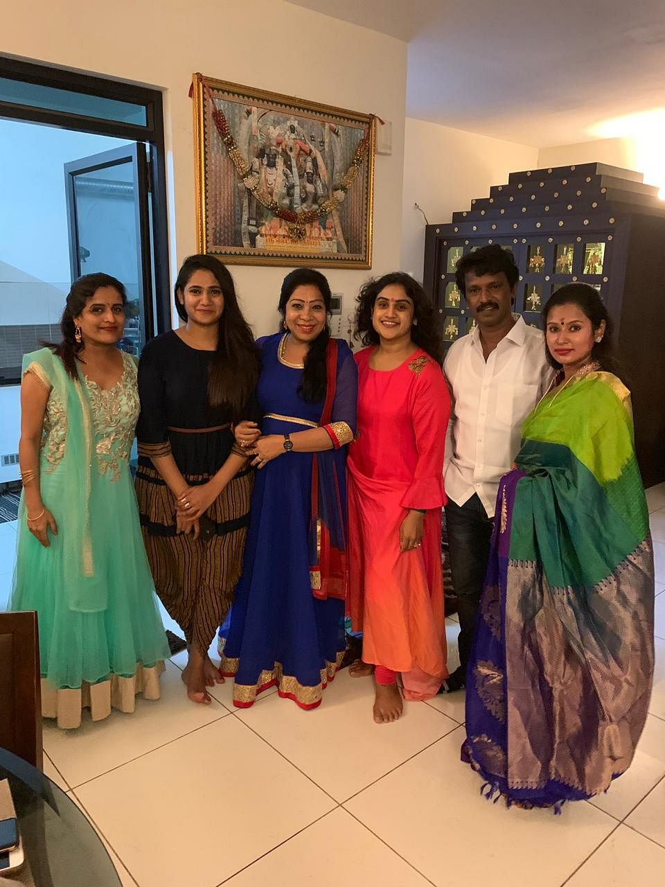 Vanitha Vijaykumar With her friends
