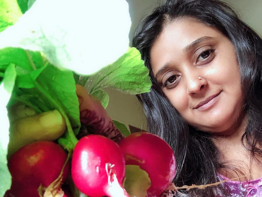 2000 சதுர அடி, 50-க்கும் அதிகமான காய்கறி சாகுபடி... `ஜே ஜே' மாளவிகாவின் வீட்டுத்தோட்ட அனுபவம்!