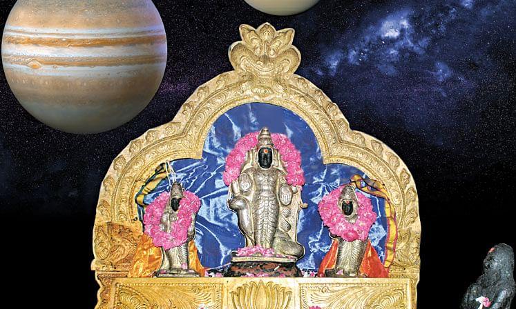 குடும்ப சமேதராக ஸ்ரீசனிபகவான்