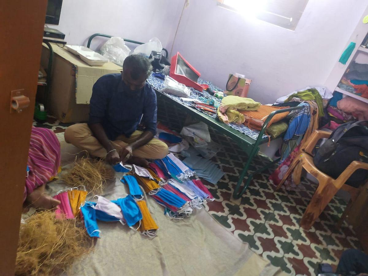 வெட்டிவேர் நிரப்பும் நாகராஜன்