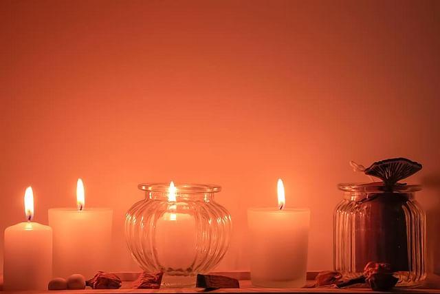 """""""நிபந்தனைகளில்லா அன்புதான் ஆன்மிகமா..?!"""" – சியாமளா ரமேஷ்பாபு Vikatan%2F2020-06%2F9fb0cfa5-5596-4783-84d8-69da5cda94f0%2Fspiritual_candle_meditation_spirituality_religion_flame.jpg?auto=format%2Ccompress&format=webp&w=640&dpr=1"""