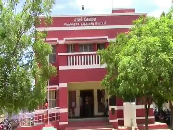 தாசில்தார் கட்டுப்பாட்டில் சாத்தான்குளம் காவல்நிலையம்... ஏன் தெரியுமா?