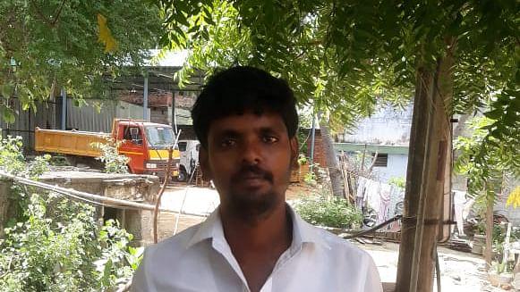 போலி இ-பாஸுடன் வந்த டிரைவர் விக்னேஷ்