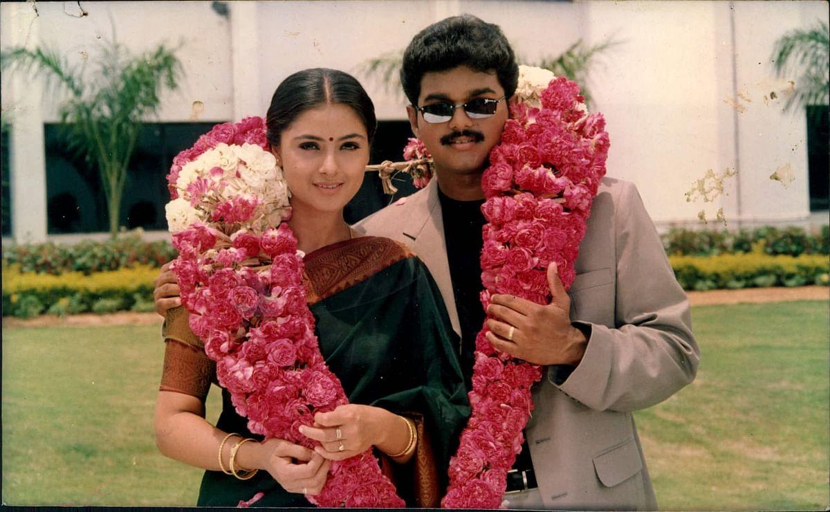 Vijay, Simran, Priyamanavaley