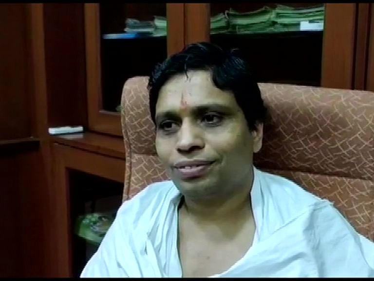 கொரோனில்:`கொரோனாவைக் குணப்படுத்தும் எனக் கூறவேயில்லை!' -பதஞ்சலி பாலகிருஷ்ணா