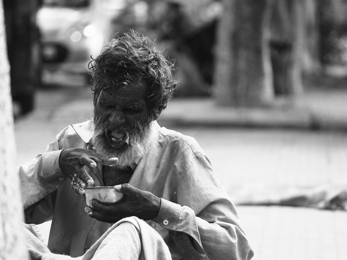யாசகனின் வாழ்த்து! - மைக்ரோ கதை #MyVikatan