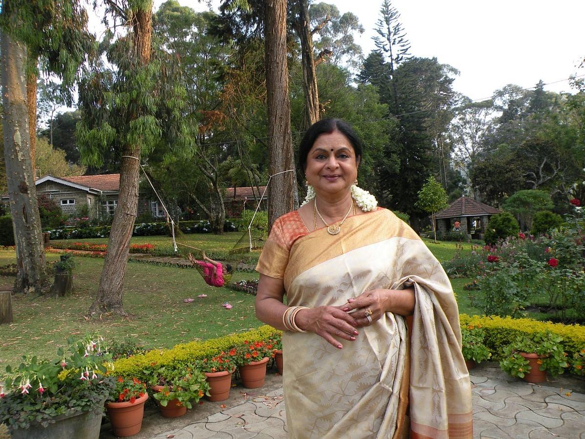 """""""70% காய்கறி, பழங்கள் என் தோட்டத்துலயே கிடைக்குது""""-Dr.கமலா செல்வராஜின் இயற்கை விவசாயம்!"""
