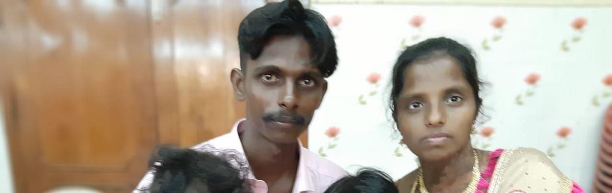 குடும்பத்தினருடன் ஆசிரியை புவனேஸ்வரி