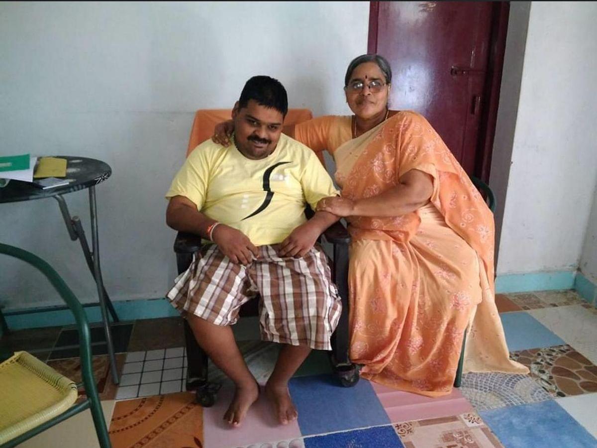 கொரோனா தொற்று... அம்மா, அப்பா இருவரும் மரணம்... தவிக்கும் மனவளர்ச்சி குன்றிய மணி!