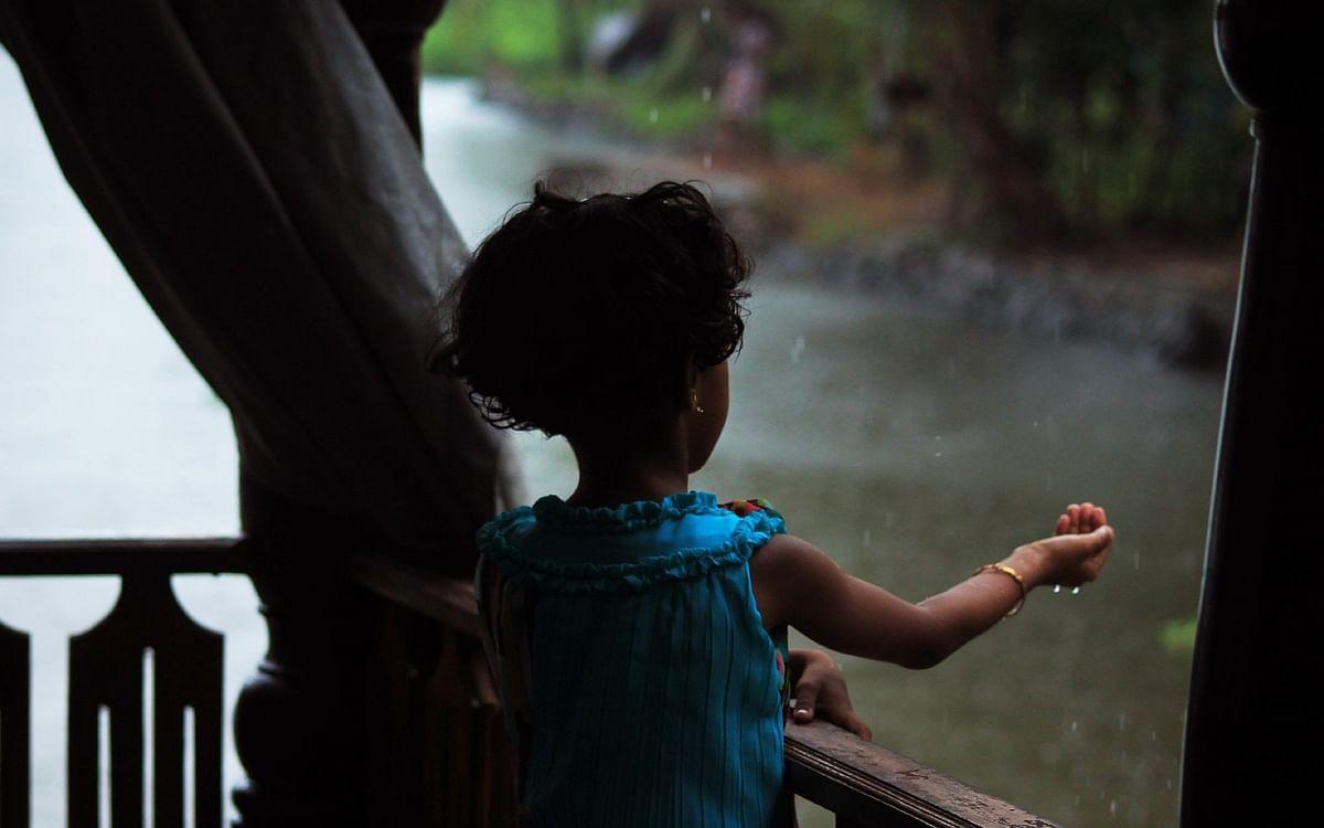 `அப்பா பக்கோடா..!' - ஒரு WFH நாளில் பெய்த மழையின் நினைவுகள் #MyVikatan