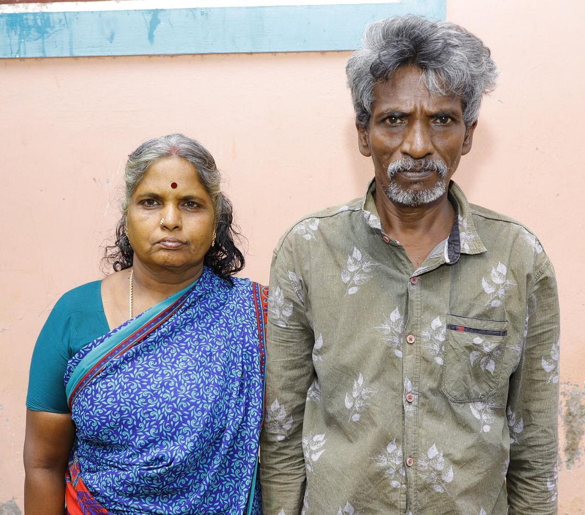 மனைவியுடன் ராஜசேகரன்