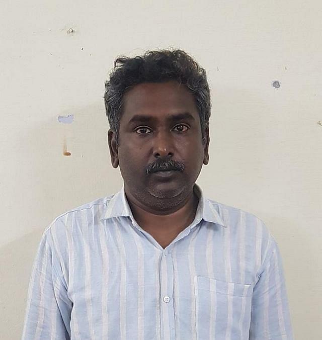 ஆசிரியர் ஆனந்த்