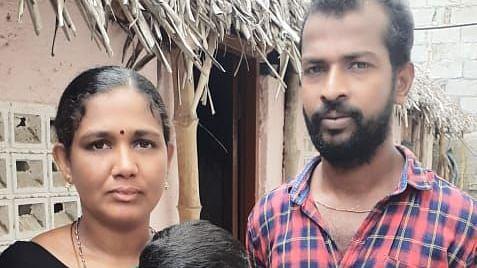 ராஜ்குமார் குடும்பத்துடன்