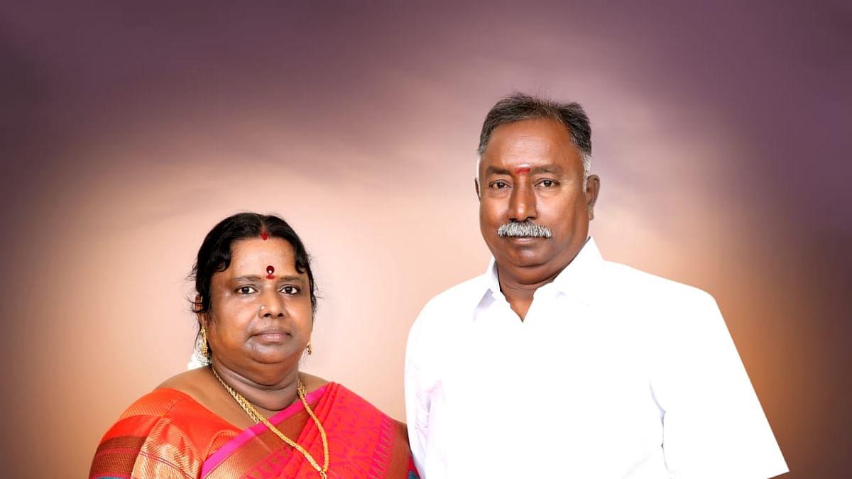 பிரகதாம்பாளுடன் கணவர் பாலகிருஷ்ணன்
