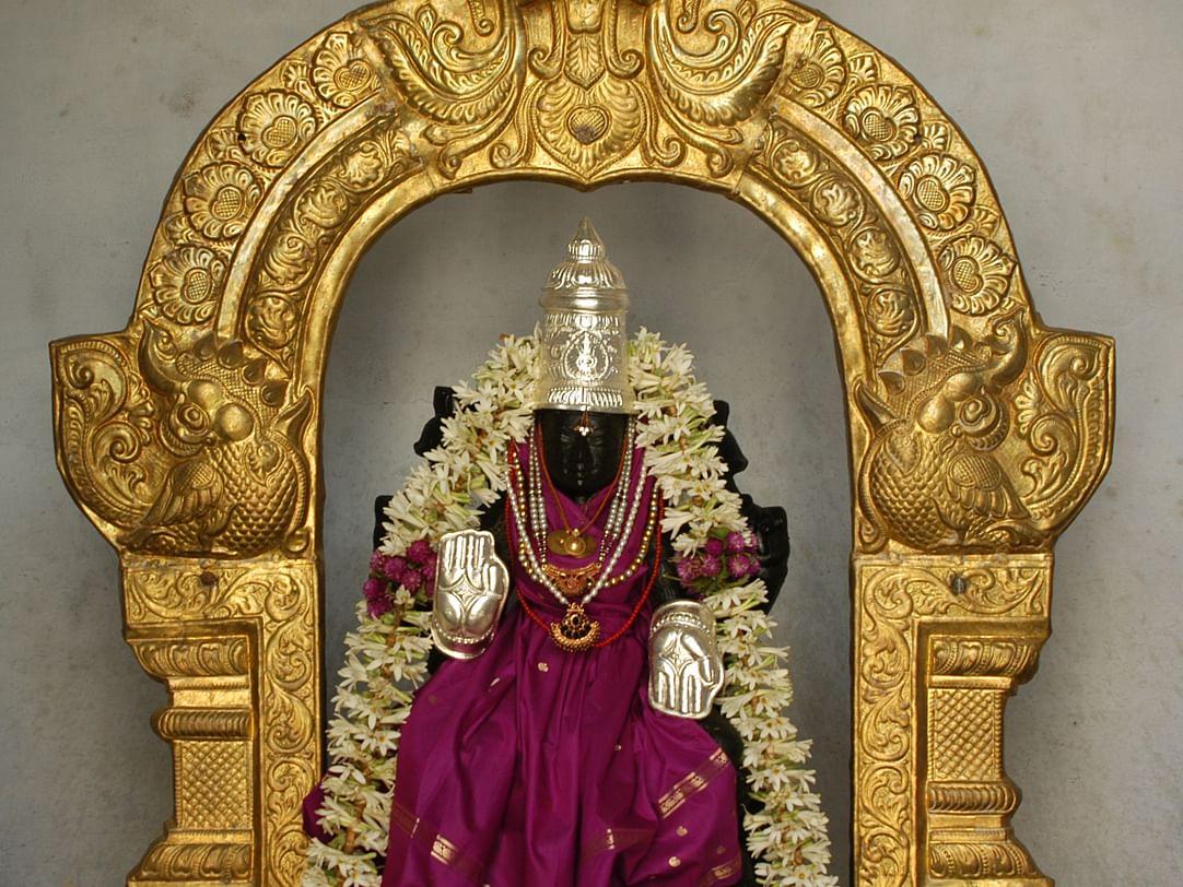 இந்த வருடம் வரலட்சுமி நோன்புக்கு என்ன விசேஷம்... கடைப்பிடிக்க எளிய வழிகாட்டல்!