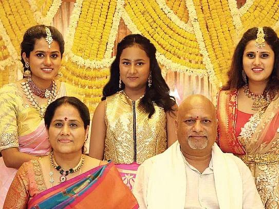 ரம்யா, ரவீணா, ஸ்வேதா, சரளா, ரவிச்சந்தர்