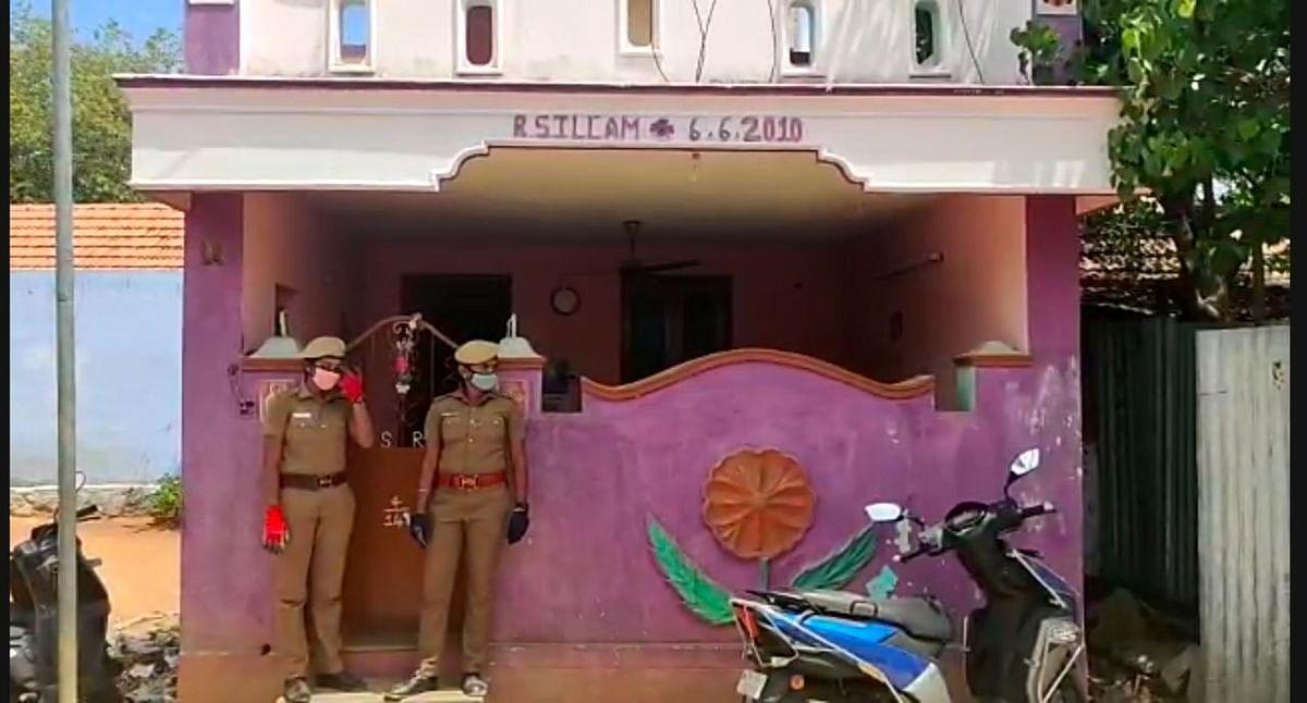 சாத்தான்குளம் தலைமை காவலர் ரேவதி வீட்டிற்கு போலீஸ் பாதுகாப்பு போடப்பட்டுள்ளது
