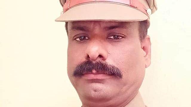 போலீஸ் எஸ்.எஸ்.ஐ சேகர்