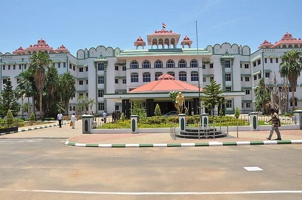 சென்னை உயர்நீதிமன்ற மதுரைக் கிளை