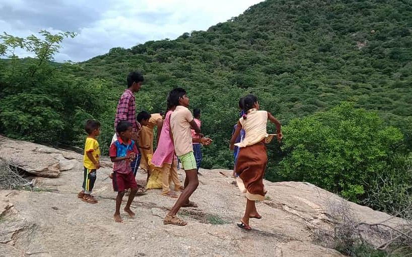 EIA 2020: `1,000 விதைப்பந்துகள் மூலம் விழிப்புணர்வு!' - கரூர் இளைஞரின் புது முயற்சி