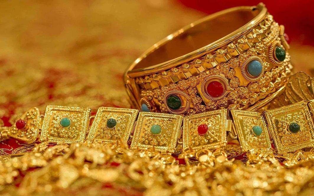 Gold Rate: `வரலாறு காணாத புதிய உச்சம்!' - ஊரடங்கில் கிடுகிடுவென உயர்ந்த தங்கம் விலை