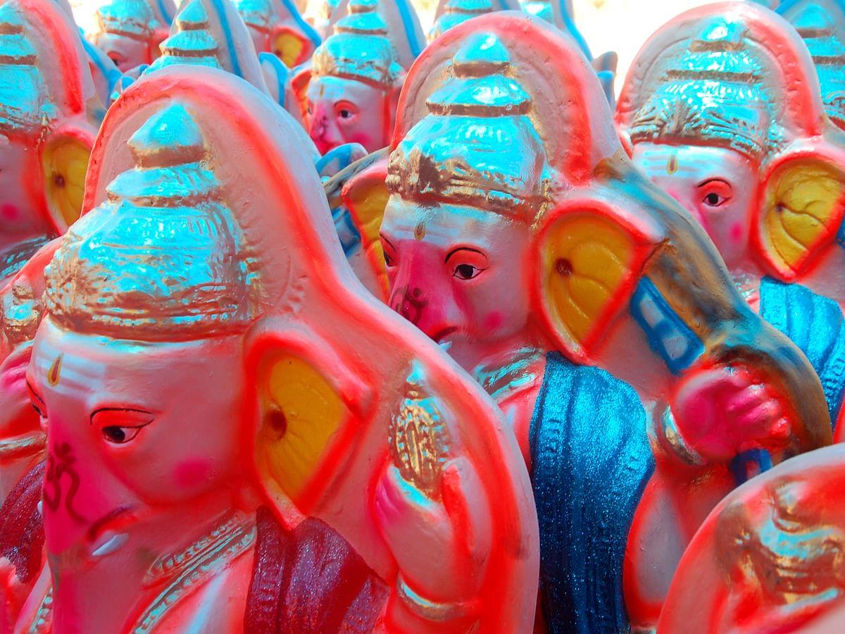 விநாயகர் சதுர்த்தி பிரதிஷ்டைக்காகத் தயாராகும் விநாயகர் சிலைகள்! #PhotoStory