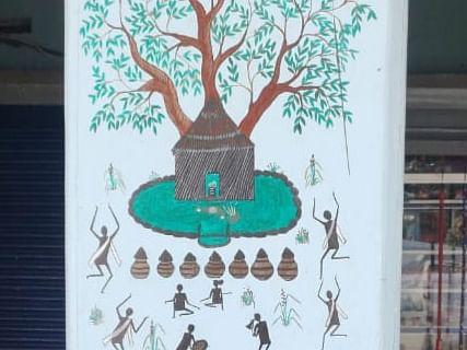 குன்னூர்: `8 பேருக்குத்தான் வரையத் தெரியும்!'- குறும்பர் ஓவியங்களை மீட்டெடுக்க புதிய முயற்சி