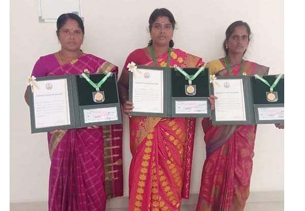 விருது பெற்ற பெண்கள்