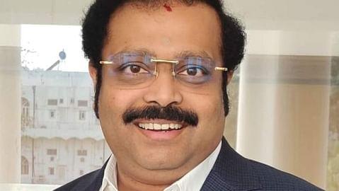 எம்.பி கதிர்ஆனந்த்