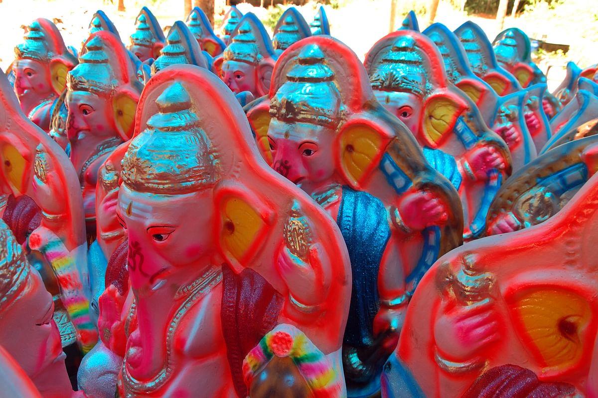 பிரதிஷ்டைக்குத் தயாராகும் விநாயகர் சிலைகள்