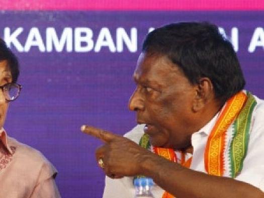புதுச்சேரி: `நாராயணசாமி Vs கிரண் பேடி; வாருங்கள்... வராதீர்கள்!' - குழப்பும் `புத்தாண்டு அரசியல்'