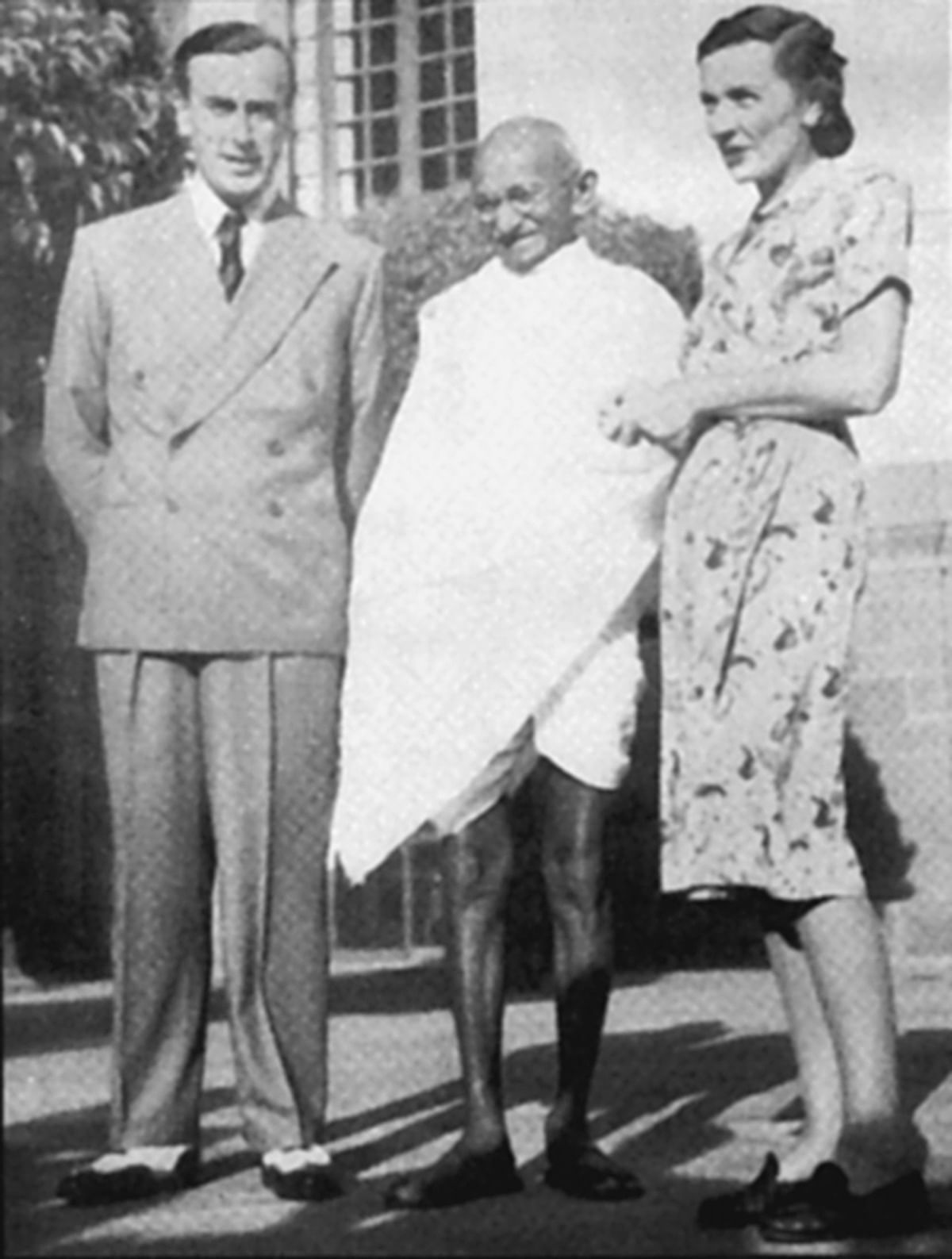 Lord Mountbatten and Mahatma gandhi