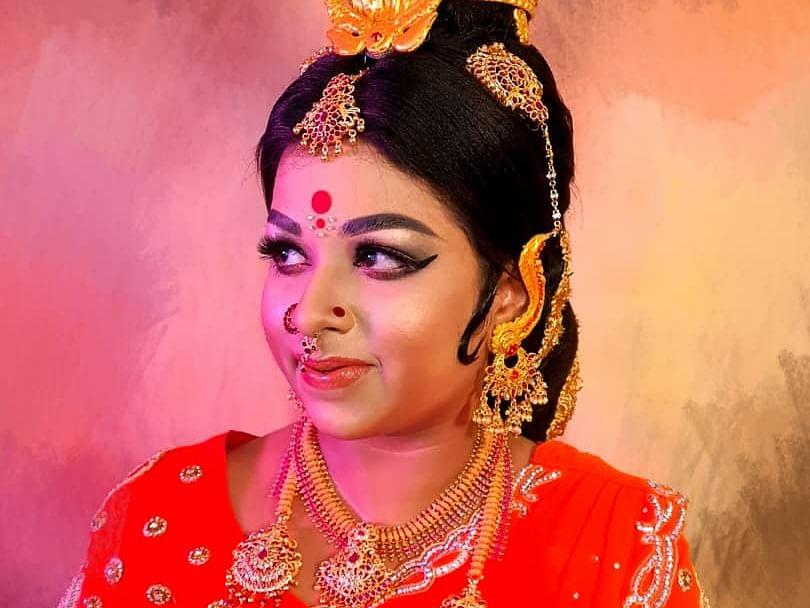 `ஆதிபராசக்தி' ஜெயலலிதாவைக் கண் முன் கொண்டுவந்த ஒப்பனைக் கலைஞர்!