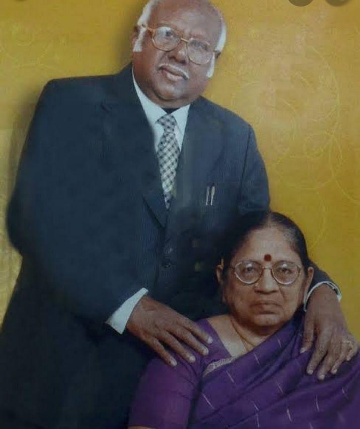 மனைவியுடன் ஏ.ஆர்.லட்சுமணன்