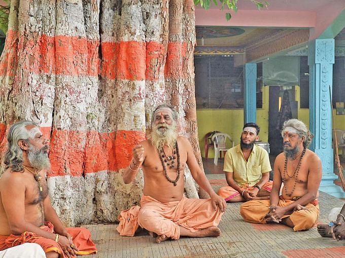 புண்ணிய புருஷர்கள் - 32: 'வார்த்தைகளே மந்திரமாகும்!'