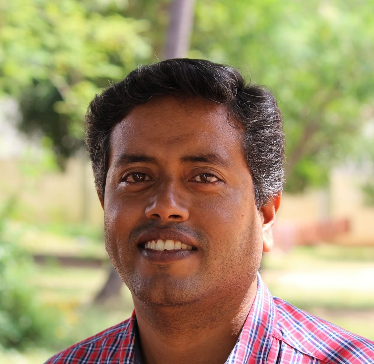 சித்த மருத்துவர் S. செந்தில் கருணாகரன்