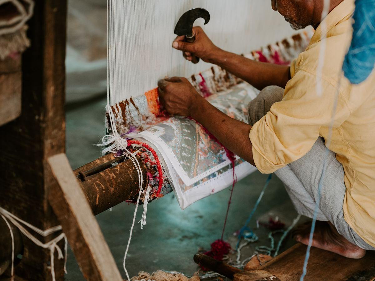 ``என் அப்பா பொழைக்கத் தெரியாதவராம்...!'' - மகளின் ஆதங்கம் #MyVikatan