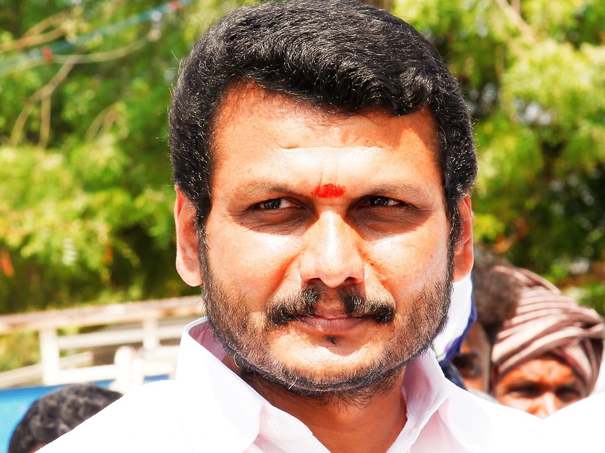 கரூர்: `எம்.ஆர்.விஜயபாஸ்கர், செந்தில் பாலாஜிக்கு கொரோனா!' - கேன்சலாகும் முதல்வர் நிகழ்ச்சி?