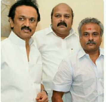 ஸ்டாலின் மற்றும் டி.கே.ஜி நீலமேகத்துடன் ராஜா