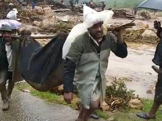 மூணாறு நிலச்சரிவு: `கயத்தாரைச் சேர்ந்த 55 பேரின் நிலை?' -  கலங்கும் உறவினர்கள்