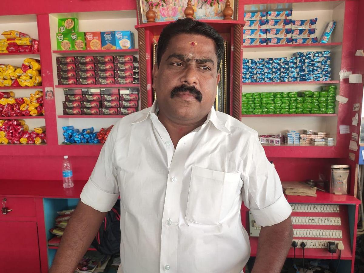 பேக்கரி உரிமையாளர் அசோகன்